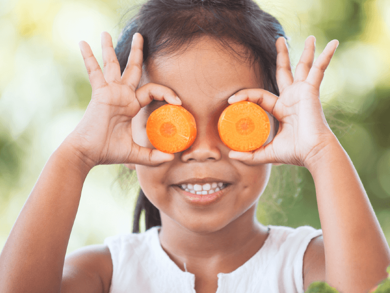 Healthy Snacks: Smart Eating for Healthy Smiles